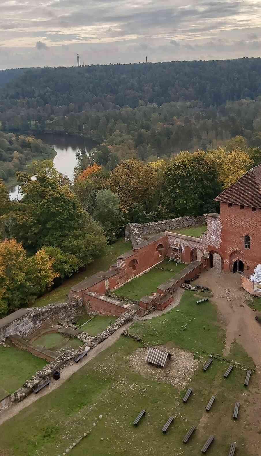 """Mācību brauciens uz Turaidas muzeju """"Latvijas Skolas soma"""" projekta ietvaros"""